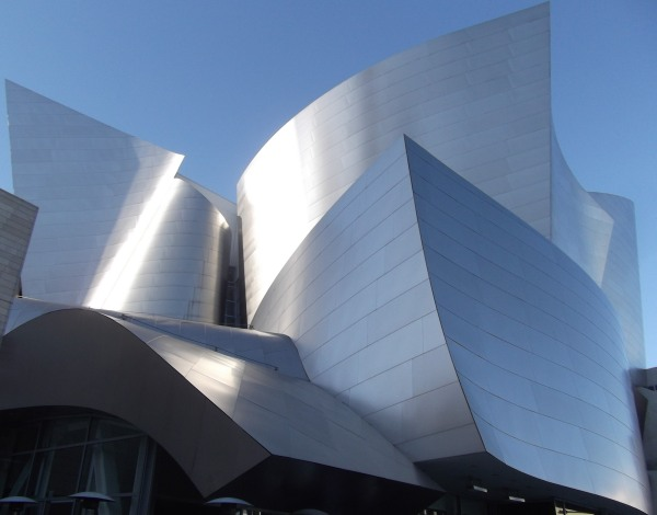 The Walt Disney Concert Hall, Los Angeles, USA (photo by Shutterstock)